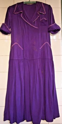 edbae1db792d This is a pretty old dress in super soft cotton. Great purple color with  lilac
