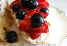 Berry Balsamic Brushetta with Orange and Honey Ricotta - Elles New England Kitchen - FIORE Olive Oils and Balsamic Vinegars GIVEAWAY