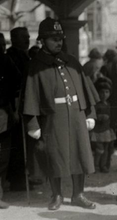 1920-1930. Guardia del Cuerpo de Seguridad, en Donostia-San Sebastián. Dresses, Fashion, Safety, Vestidos, Moda, Fashion Styles, Dress, Fashion Illustrations, Gown
