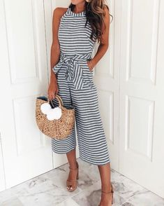 This jumpsuits is suitable for women to wear at formal occasions, team with a stylish straw woven bag for a look we are loving. jumpsuit wideleg outfit,women jumpsuits outfits,casual jumpsuit,jumpsuit outfit #jumpsuitsoutfitcasual #jumpsuitselegant #jumpsuitsforwomencasual #jumpsuitsgoingout Jumpsuit Casual, Jumpsuit Outfit, Strapless Jumpsuit, Denim Jumpsuit, Women's Summer Fashion, Fashion Over, Fashion Edgy, Fashion Fall, Fashion Ideas
