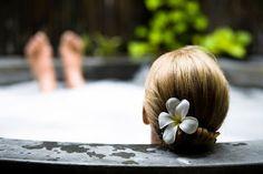 Natural Earth Oils: Bath Salt Soak & Aromatic Bath Oil