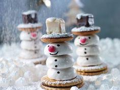 Keks-Schneemänner bauen
