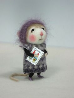Ratones de biblioteca Preciosos ratoncillos de fieltro de Johana Molina