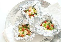 Eine vegetarische Grillparty, Feta Päckchen, Chili, Frühlingszwiebel, Tomate