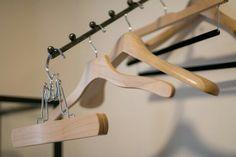 #hangerproject #hangers #wieszaki #luxury @patinepl #drewniane #multirenowacja #multirenowacjapl @kirbyallison #gentlemen #gentleman #classic #wood #madeinusa
