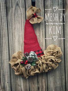 61 ideas for christmas door hangers diy santa hat Christmas Mesh Wreaths, Christmas Door Decorations, Christmas Hat, Christmas Ornaments, Christmas Ideas, Wreath Crafts, Diy Wreath, Holiday Crafts, Ornament Wreath