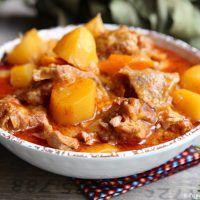 Sauté de veau facile aux pommes de terre et carottes »