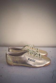 watch 07c68 c2c6d 90 s Gold La Gear Tennis Shoes Glam Women s Size 6.5 Dead Stock Metalic  Gold Sneakers Lace