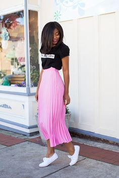What I Am Wearing: Skirt (here, love this here & here, more here) // Graphic tee (here, love these here) // Jacket (c/o here) // Keds (here) // Zara heels (old, try this here) Pleated skirts are… Pleated Skirt Outfit, Skirt Outfits, Dress Skirt, Pleated Skirts, Spring Summer Fashion, Spring Outfits, Accordion Skirt, Keds Champion, Oversized Denim Jacket