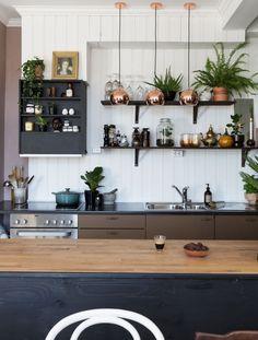 Kult kjøkken i en rustikk og industriell stil