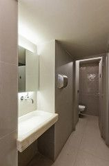 Baño | Reforma restaurante Gabriel | Cristina Arnedo y Standal #reformas #restaurantes #locales #diseño #interiores #baño