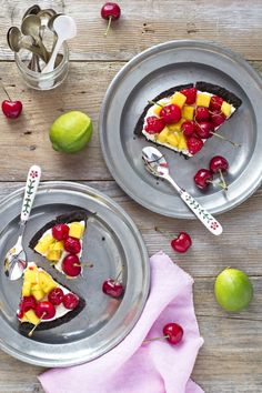 Cheesecake alla frutta senza cottura dal guscio e ripieno insolito - No-Bake fruit and cocoa cheesecake, fresh and easy dessert for Spring or Summer Party