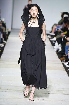 SFW : Seoul Fashion Week YCH SS19 Vietnam, Korean Brands, Couture, Ready To Wear, Asian, Hoodies, How To Wear, Shirts, Seoul Fashion