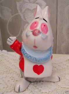 alice in wonderland Alice In Wonderland Figurines, Alice In Wonderland Costume, Disney Figurines, Rose Cottage, Vintage Disney, Walt Disney, Rabbit, Christmas Gifts, Japan