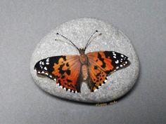 https://flic.kr/p/buYXKN | VANESSE du CHARDON | Happy rocks - peinture sur galet , 8 cm