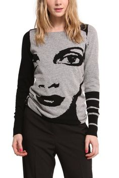 Desigual Aralaud knitted grey jumper. A sophisticated jumper designed by Mr Christian Lacroix. Discover it! Free delivery to your Desigual shop.