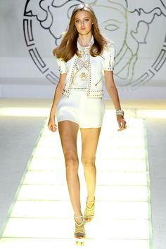 Lindsey Wixson Photos Spring 2012 Ready-to-Wear Versace - Runway on Style.com