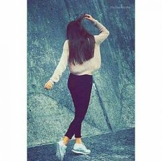 Tumblr Girl Photography, Teenage Girl Photography, Portrait Photography Poses, Photography Poses Women, Best Photo Poses, Girl Photo Poses, Girl Poses, Stylish Photo Pose, Stylish Girls Photos