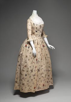 Robe à l'Anglaise (Quarter View) Date: 1785–95 Culture: American Medium: cotton, baleen Dimensions: Length at CB: 54 in. (137.2 cm) Credit Line: Brooklyn Museum Costume Collection at The Metropolitan Museum of Art, Gift of the Brooklyn Museum, 2009; A. Augustus Healy Fund, 1934 Accession Number: 2009.300.647