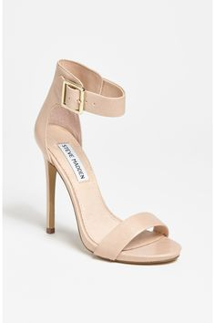 Obsessed with these neutral shoes!