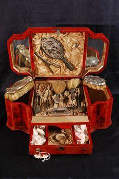Antique Vanity Set Red Velvet Box 13 Pieces Includes Brush Mirror Perfume