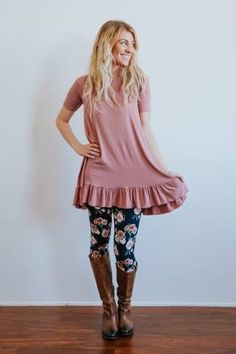 Adorable swig top with perfectly matched leggings! How adorable?! :)