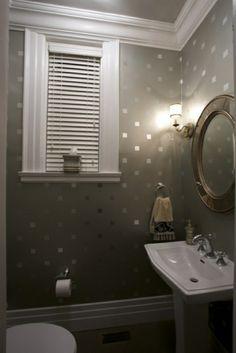 spiegel an der wand wandgestaltung mit kleinen silbernen quadraten - 62 kreative Wände streichen Ideen – interessante Techniken