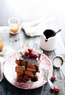 Chocolate, chambond and raspberries rabanadas