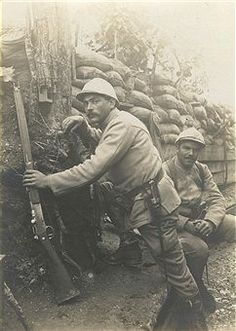 World War I. Battle of Verdun. An observation post in a trench of the French infantry regiment in the area of Verdun (Meuse France). In July War I Ww1 History, Women In History, World History, History Education, British History, Ancient History, World War One, First World, Bataille De Verdun