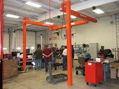 overhdead crane Welding Cart, Welding Shop, Garage Shop, Car Garage, Mobile Shop, Garage Workshop, Metal Fabrication, Shop Plans, Welding Projects
