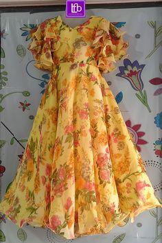Girls Dresses Sewing, Stylish Dresses For Girls, Stylish Dress Designs, Frocks For Girls, Long Frocks For Kids, Girls Frock Design, Long Dress Design, Sleeves Designs For Dresses, Dress Neck Designs