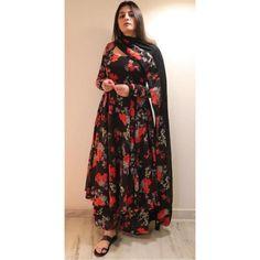 Indian Designer Outfits, Designer Dresses, Indian Outfits, Stylish Dresses For Girls, Girls Dresses, Indian Bridal Fashion, Boho Fashion, Fashion Design, Dress Indian Style