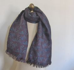 SILK and WOOL paisley English mens scarf by foulardfantastique Grey Flannel, Cravat, Wool Scarf, Gentleman, Paisley, Oxford, English, Spaces, London