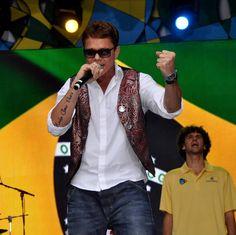Netinho em 2011 no palco do seu show em Nova Iorque.