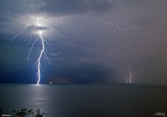 Thunderstorm | Thunderstorm over the Adriatic Sea near Trieste (Italy) (Photo: Marco ...