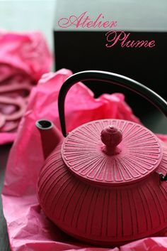 I love the elegance of the metal pots with vibrant colors - Japanese Tea Pot