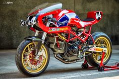 Despite what you may be thinking, this motorcycle actually started life as a 1997 Ducati Monster. The Spanish team at Radical Ducati have become Ducati Cafe Racer, Cafe Racer Motorcycle, Cafe Racers, Motorcycle Engine, Ducati Motorcycles, Custom Motorcycles, Custom Bikes, Custom Choppers, Motorcycle Travel