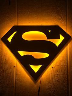 Dual Color Justice League Superman Comic Book Superhero Illuminated Neon Glowing LED Logo Wall Art for Mancave Arte Do Superman, Superman Artwork, Superman Wallpaper, Superman Comic, Superman Logo, Cool Wallpapers Logos, Superman Pictures, Led Logo, Light Wall Art