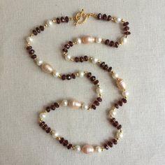 Items similar to Peach Pearl & Garnet Necklace on Etsy Jewelry Design Earrings, Necklace Designs, Pearl Jewelry, Gemstone Jewelry, Jewelry Necklaces, Handmade Beaded Jewelry, Beaded Jewelry Patterns, Bracelet Patterns, Crochet Beaded Bracelets