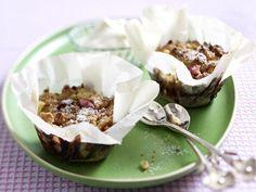 Teatime - süße & herzhafte Snacks zur Teestunde - mini-rhabarber-crumble  Rezept