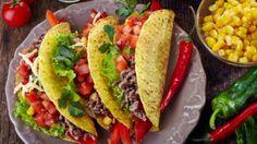 Mexická kuchyně je v Čechách velmi oblíbená, možná právě proto, že je tak vzdálená tradiční české kuchyni. Základem je kukuřice ve všech podobách, fazole, hodně zeleniny, dobré maso a k dochucení nesmí chybět limetky, čerstvý koriandr a hlavně pikantní chilli.