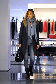 Bar Refaeli is in shoe heaven as she hits the shops in Milan Stylish and practical: Bar wore a smart grey wool coat with a light grey collar Mode Outfits, Casual Outfits, Fashion Outfits, Womens Fashion, Fall Winter Outfits, Autumn Winter Fashion, Look Fashion, Ideias Fashion, Street Style