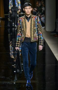 74b0623b381b Oliver Rousteing s Balmain is as much about the clothes as it is about the  presentation. Beginning with models