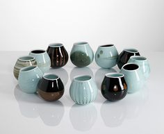 chris keenan's wonderful rocking bowls     http://www.studiopottery.co.uk/images/stories/keenan_c/Chris_Keenan1203.jpg