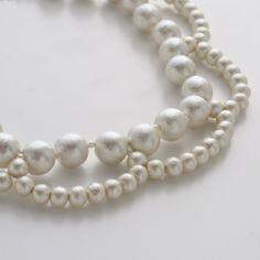 コットンパールの上品な光沢感と、驚くほどの軽さが魅力のネックレス。