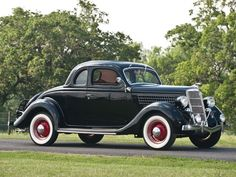 1935 Ford DeLuxe Five-Window Rumble Seat Coupe