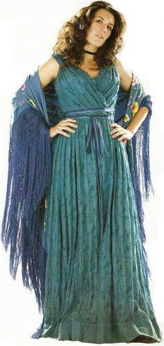 Una - stardust, I want her dress