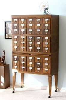 I so want an old wooden card catalog drawer with the pull-out shelves. I so want an old wooden card catalog drawer with the pull-out shelves. I so want an old wooden card catalog drawer with the pull-out shelves. Ikea Inspiration, Creative Inspiration, Apothecary Cabinet, Vintage Library, Library Catalog, My New Room, Home Interior, Interior Design, Home Organization