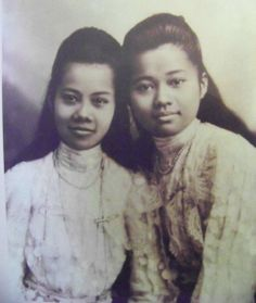 Rama 5 princesses   via: Surin Farang Community Forum