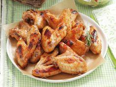 Chicken Wings mit Gemüsesalat ist ein Rezept mit frischen Zutaten aus der Kategorie Hähnchen. Probieren Sie dieses und weitere Rezepte von EAT SMARTER!